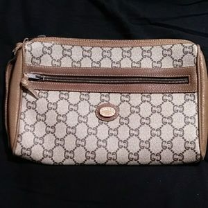 90a366cb2496 Gucci · Authentic Vintage Gucci Plus Toiletry Cosmetic Bag